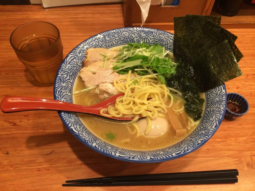 麺をすくう@赤坂麺処・友